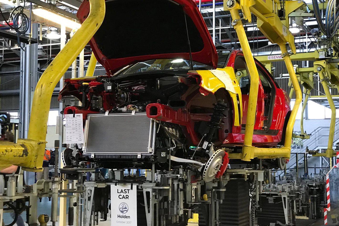 2018-Holden-Commodore-VFII-Redline-manufacturing.jpg