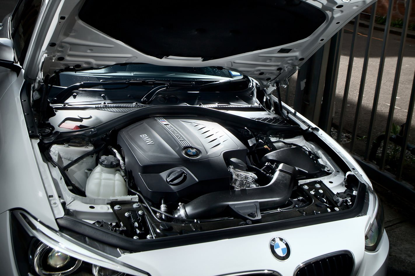 2012-BMW-M135i-engine.jpg