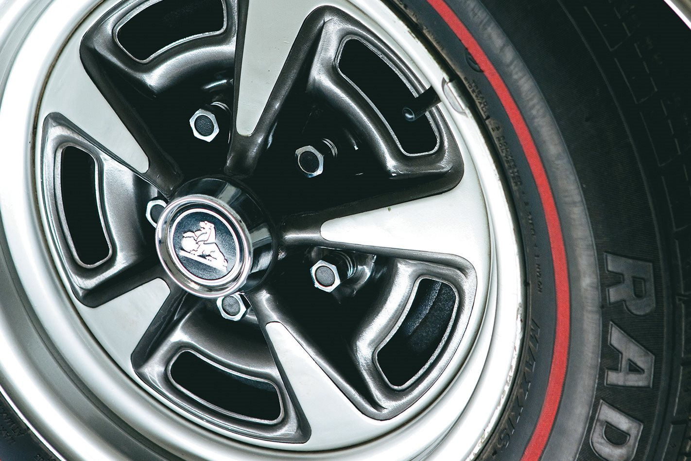 HQ-Monaro-GTS-350-wheel.jpg