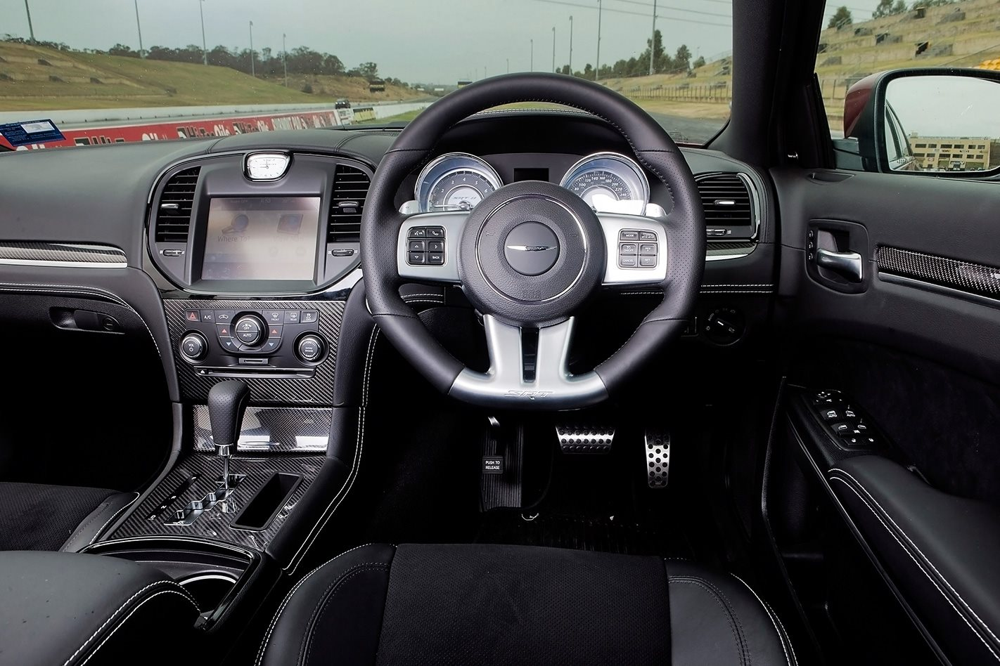 2012-Chrysler-300-SRT8-interior.jpg