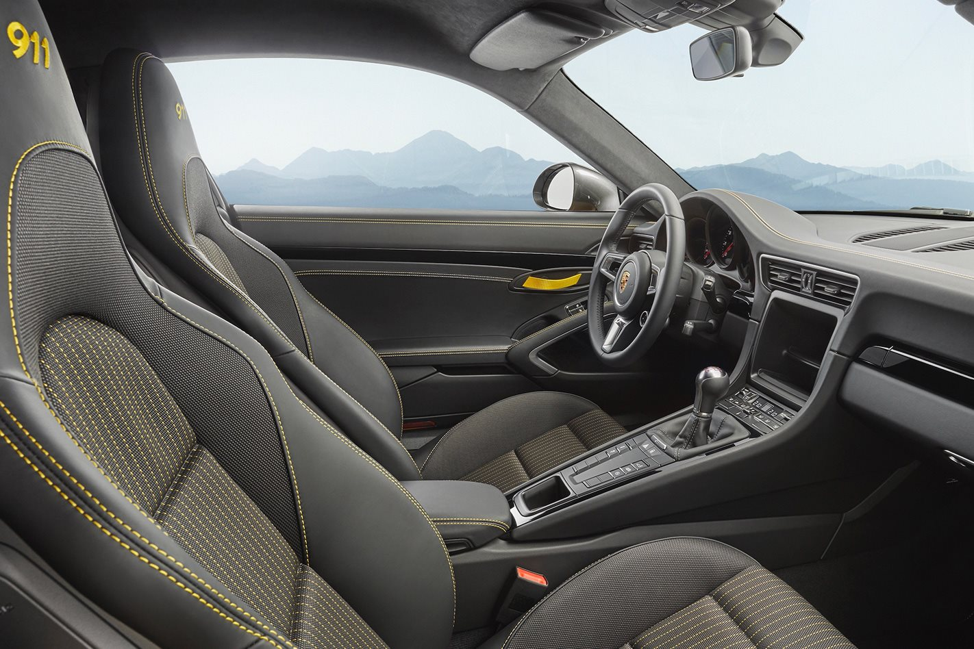 2018-Porsche-911-Carrera-T-interior.jpg