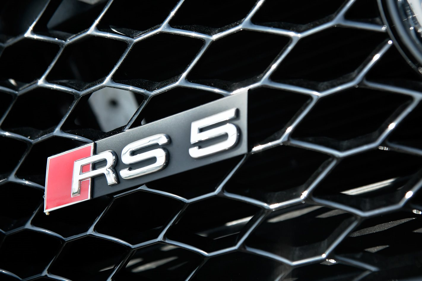 2012-Audi-RS5-badge.jpg