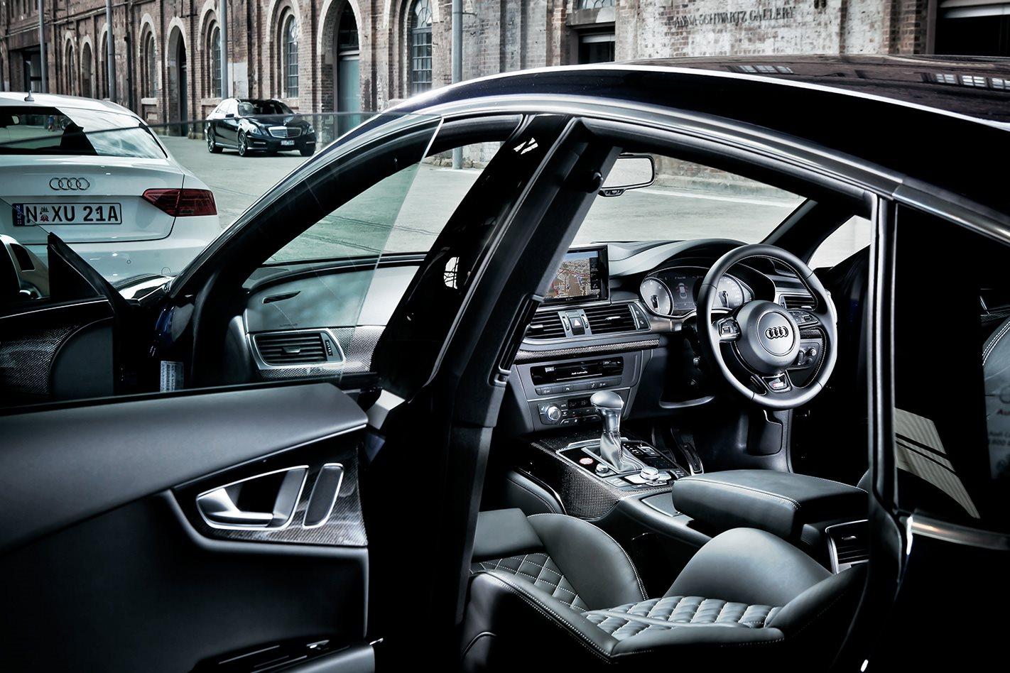 2012-Audi-S7-interior.jpg