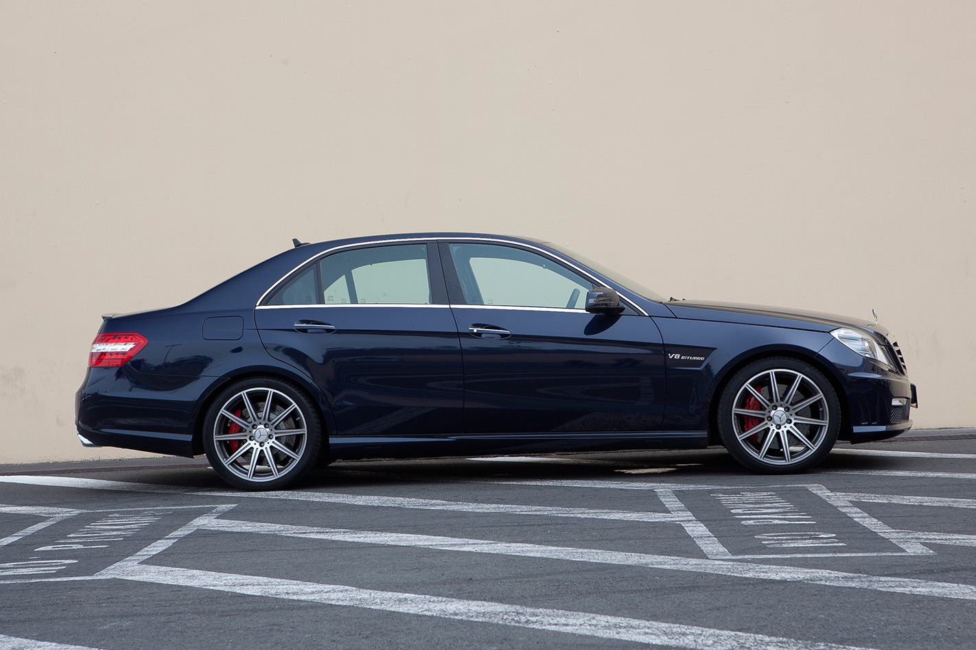 2012-Mercedes-Benz-E63-side.jpg
