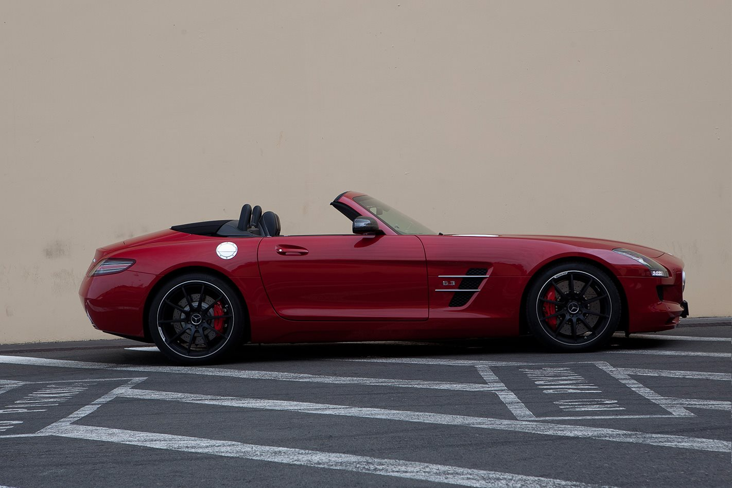 2012-Mercedes-Benz-SLS-AMG-side.jpg