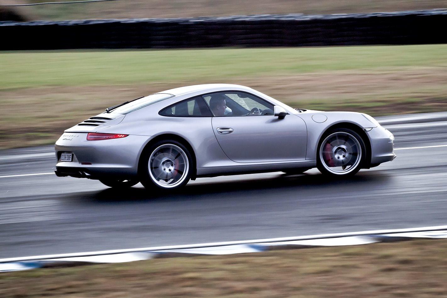 2012-Porsche-911-Carrera-S-side.jpg