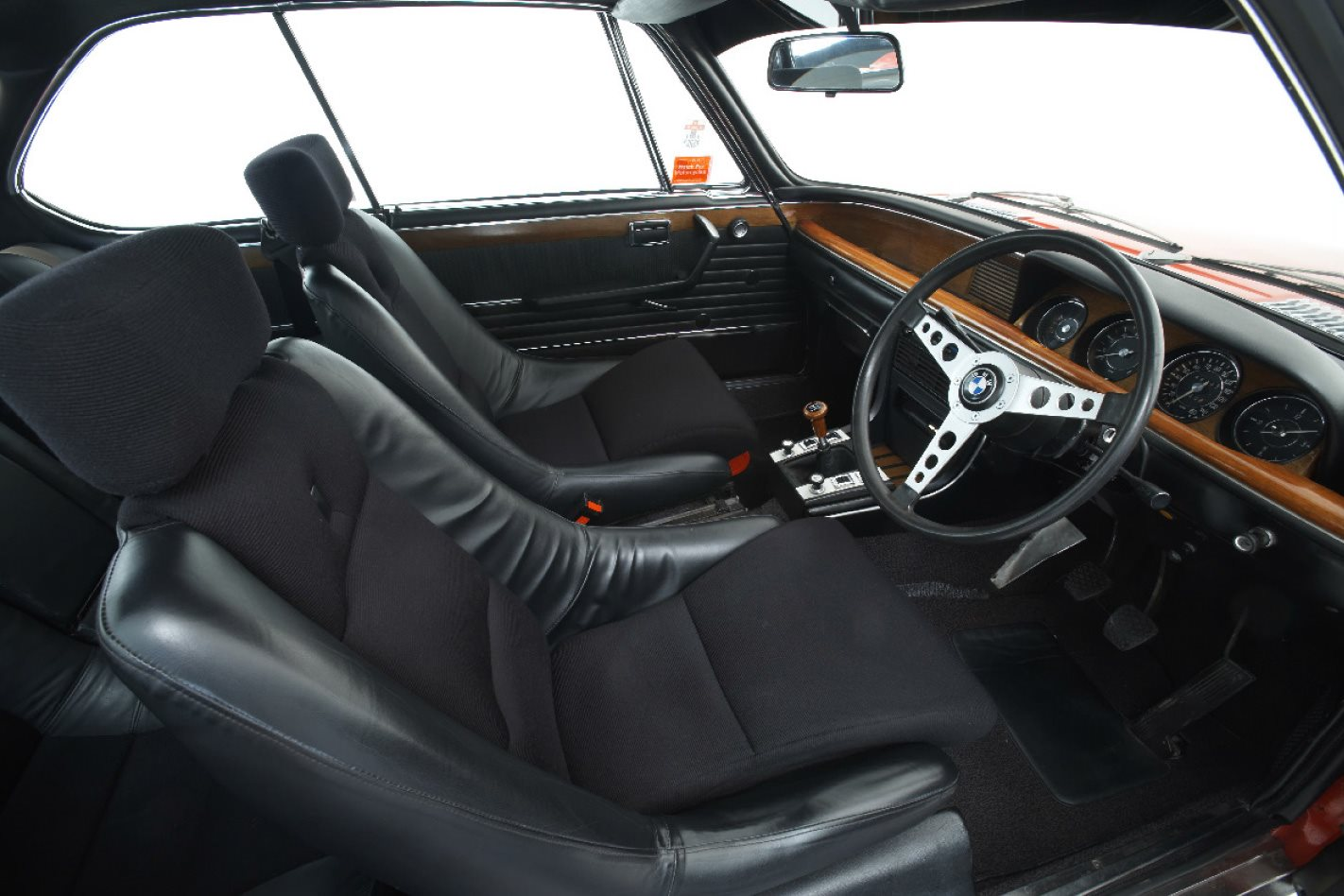 1973-BMW-CSL-interior.jpg