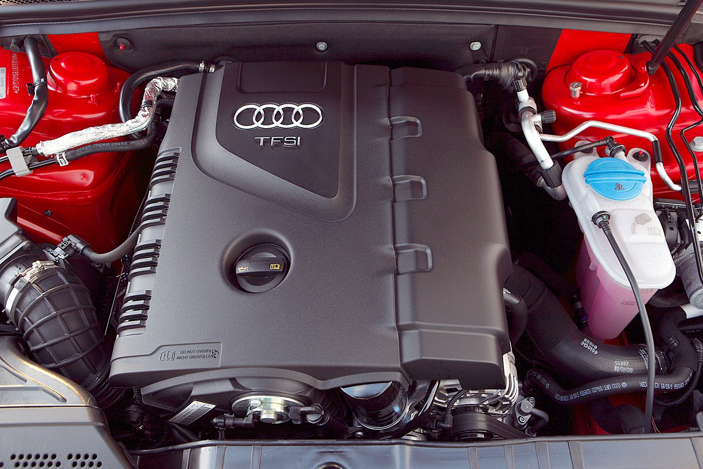 2009-Audi-A5-2.0T-quattro-engine.jpg