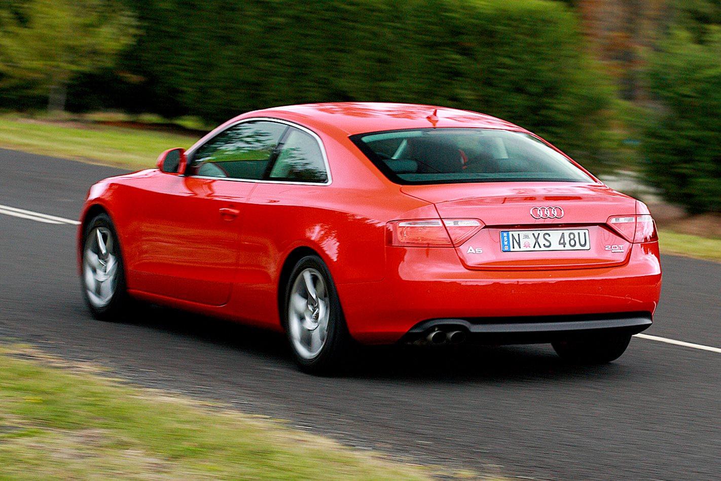 2009-Audi-A5-2.0T-quattro-rear.jpg