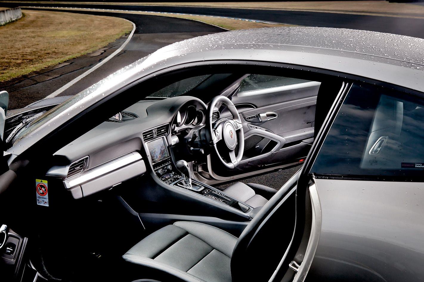 2012-Porsche-911-Carrera-S-interior.jpg