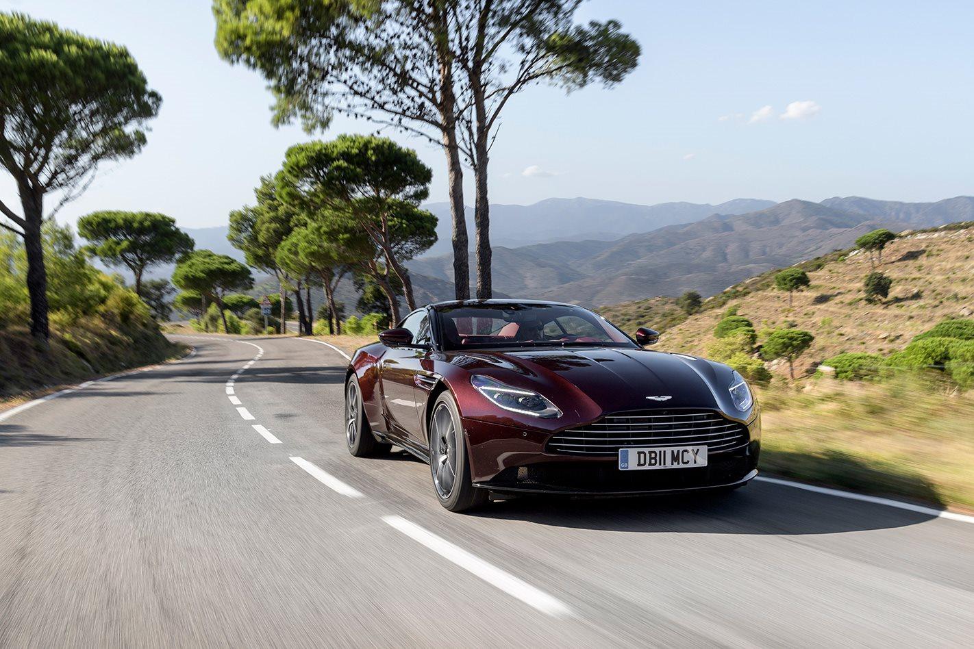 2018 Aston Martin DB11 V8 front.jpg