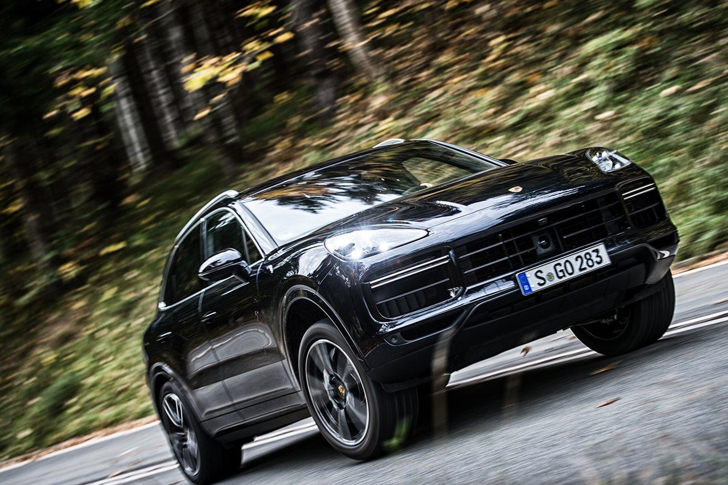 2018-Porsche-Cayenne-Turbo-drive.jpg