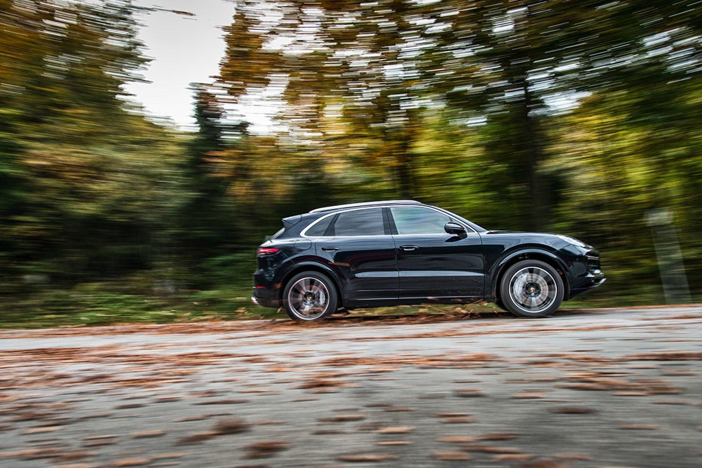 2018-Porsche-Cayenne-Turbo-side.jpg