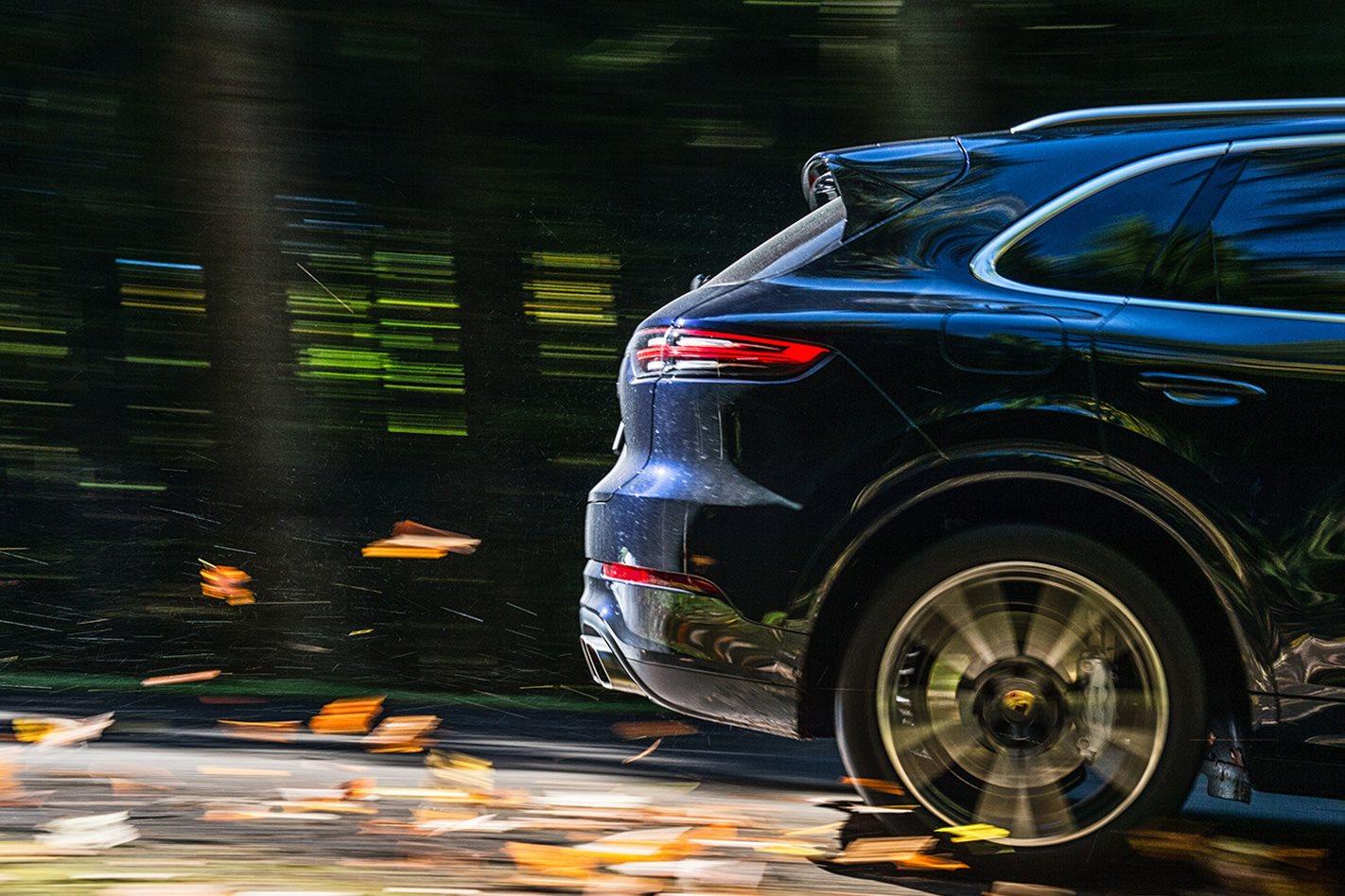2018-Porsche-Cayenne-Turbo-wheel.jpg