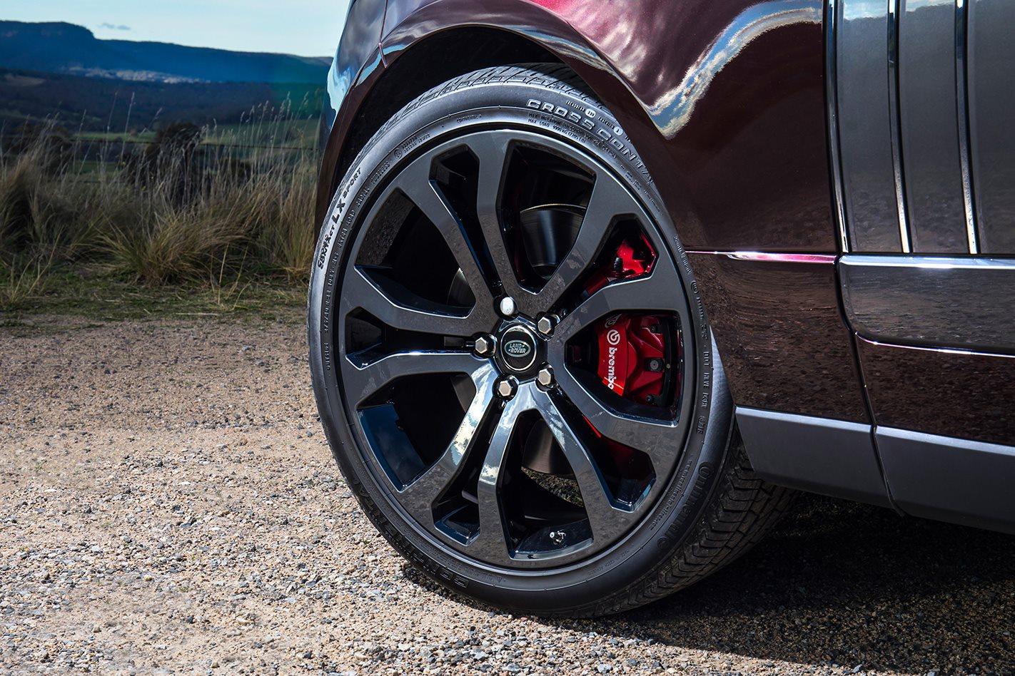 2018 Range Rover SV Autobiography wheel.jpg