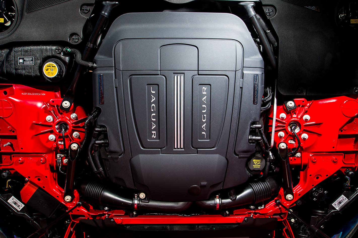 Jaguar-F-Type-V8-RWD-engine.jpg