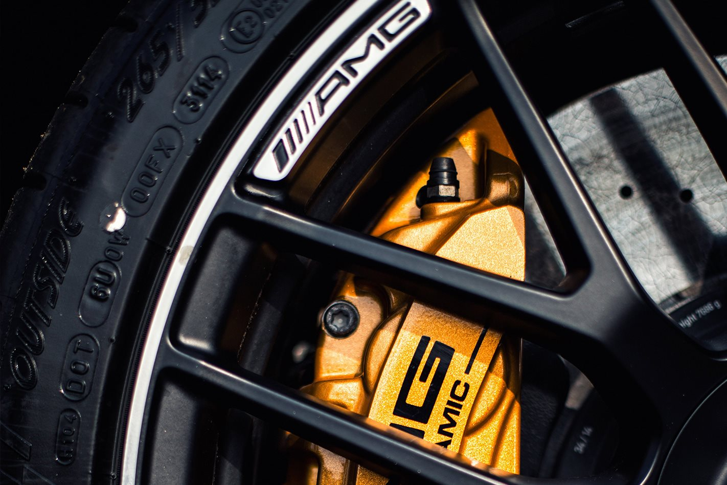 2017-Mercedes-AMG-GT-S-wheel.jpg