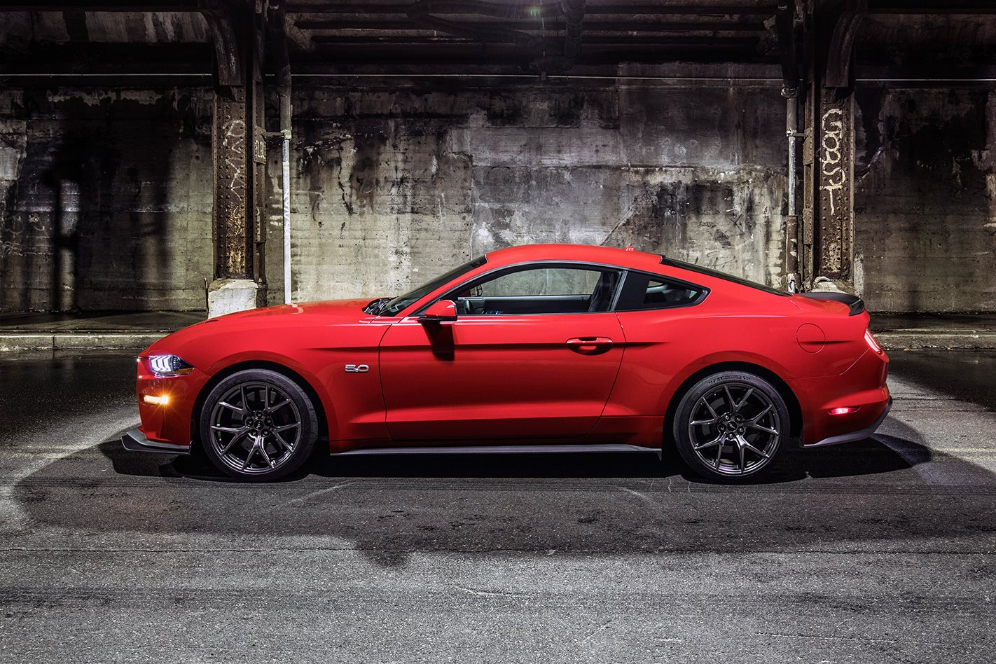 2018-Ford-Mustang-Performance-Pack-side.jpg