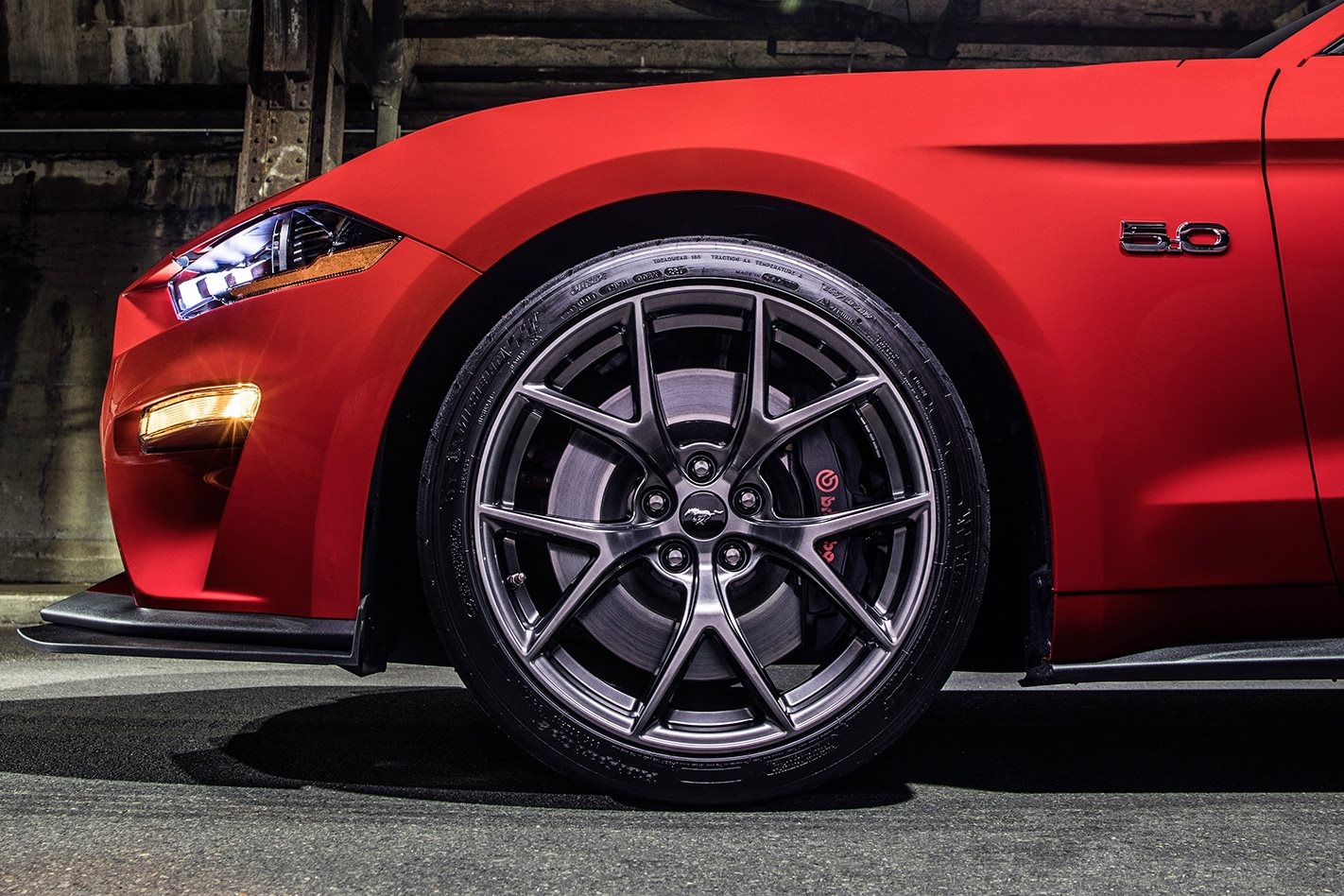 2018-Ford-Mustang-Performance-Pack-wheel.jpg