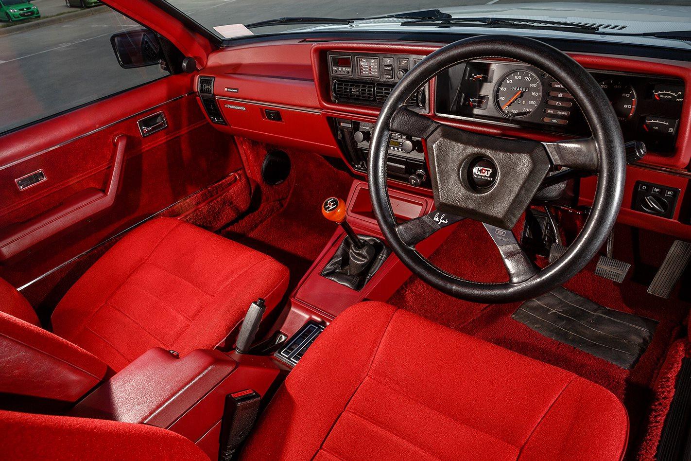 Holden-VC-Brock-Commodore-interior.jpg