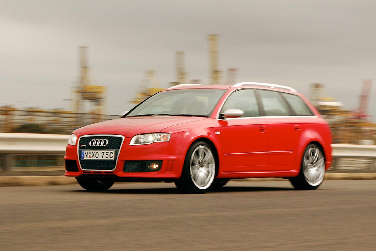 2007-Audi-RS4-Avant.jpg