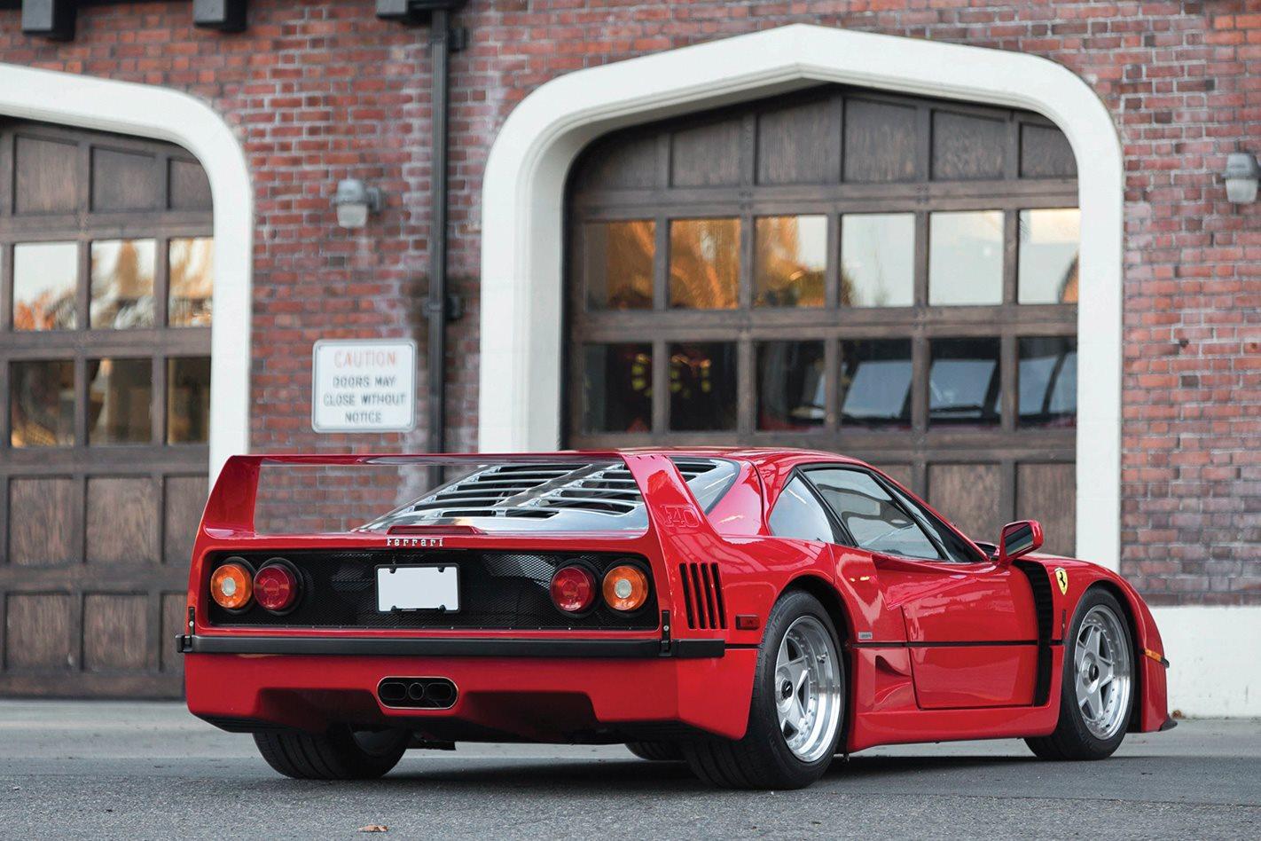 Ferrari-F40-rear.jpg