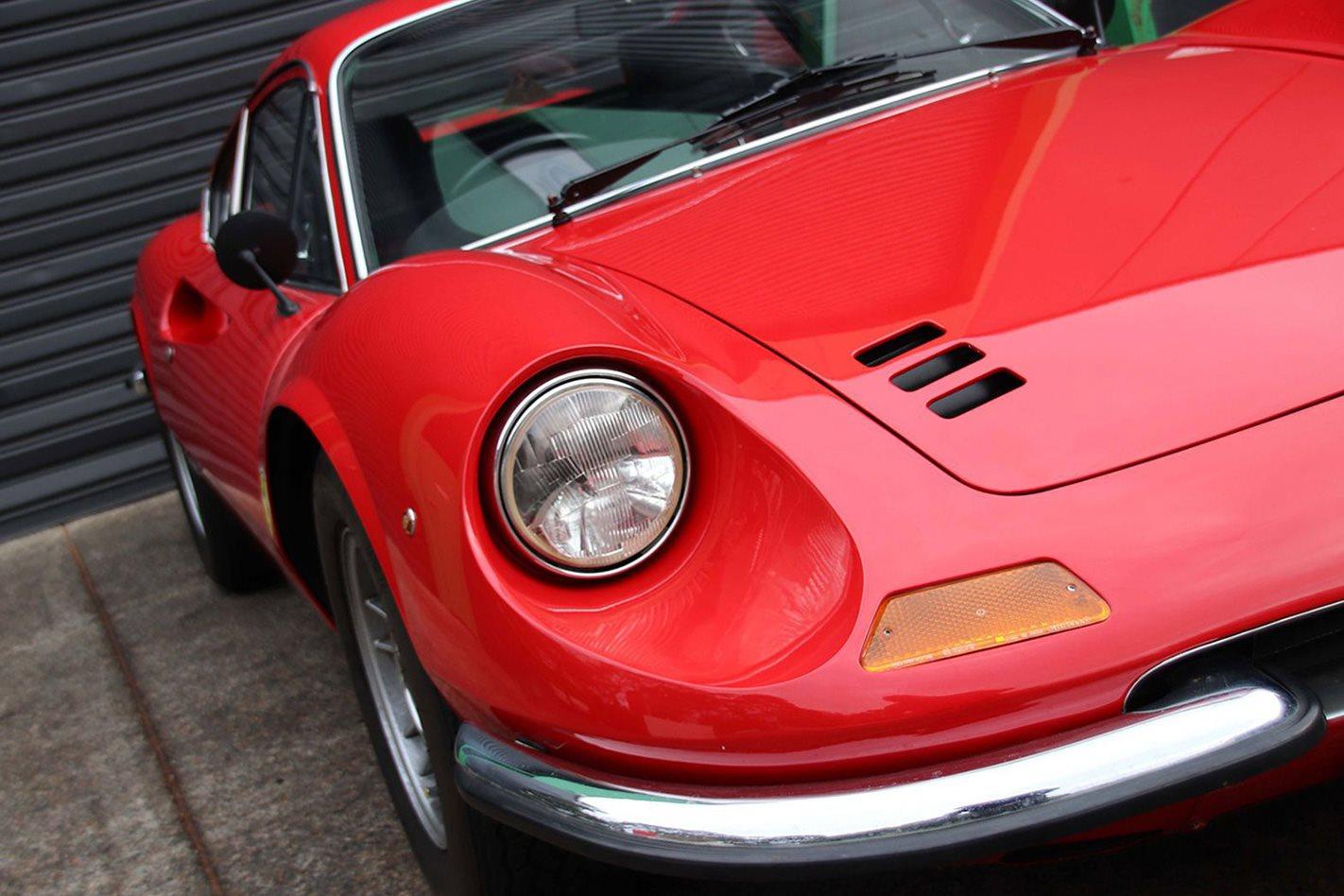 1972-Ferrari-246GT-Dino-coupe-front.jpg