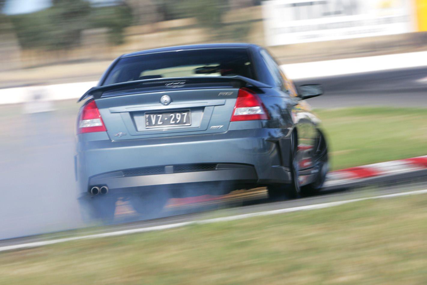 2005-HSV-GTO-Coupe.jpg