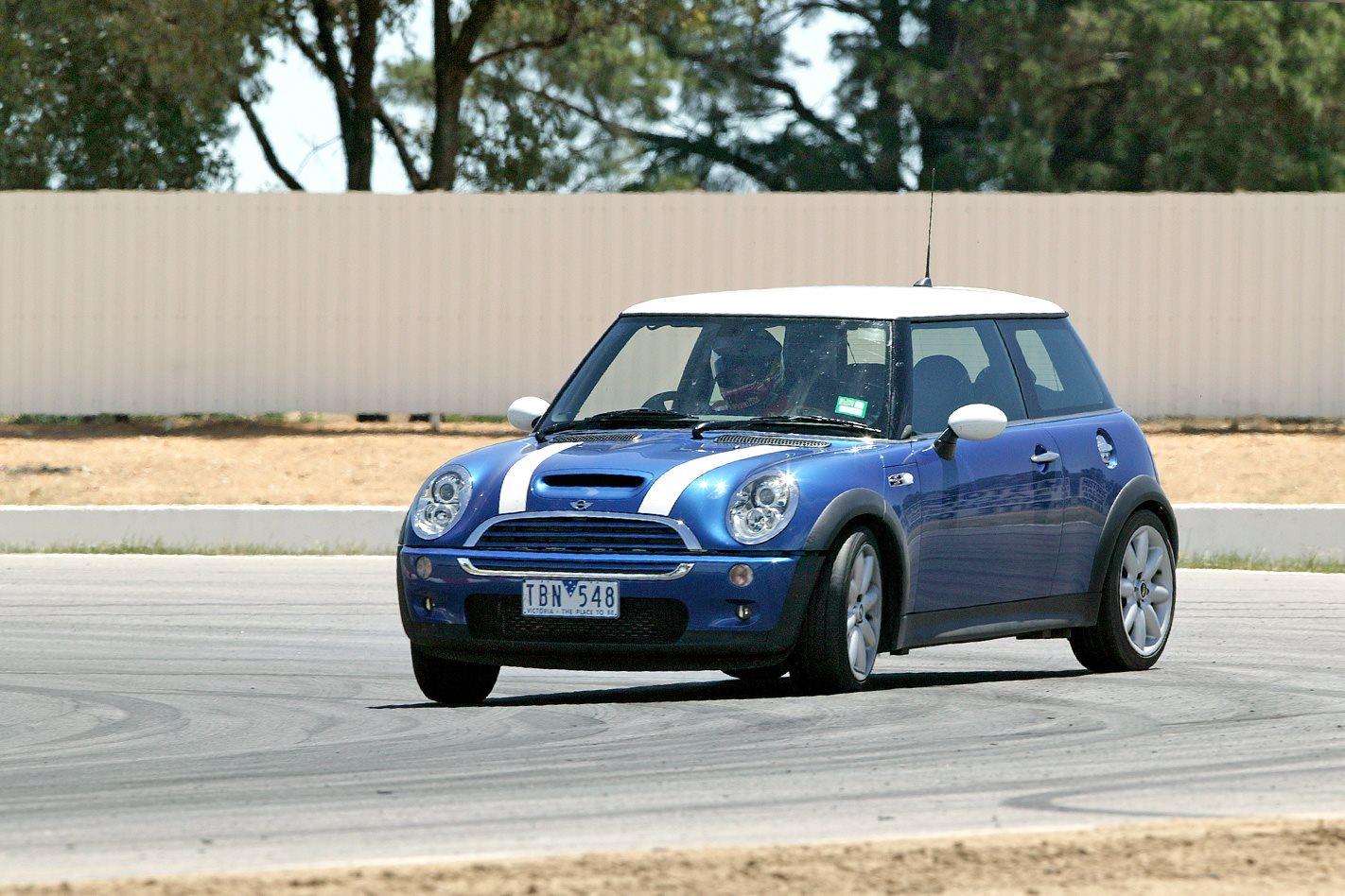 2005 Mini Cooper S Chilli.jpg