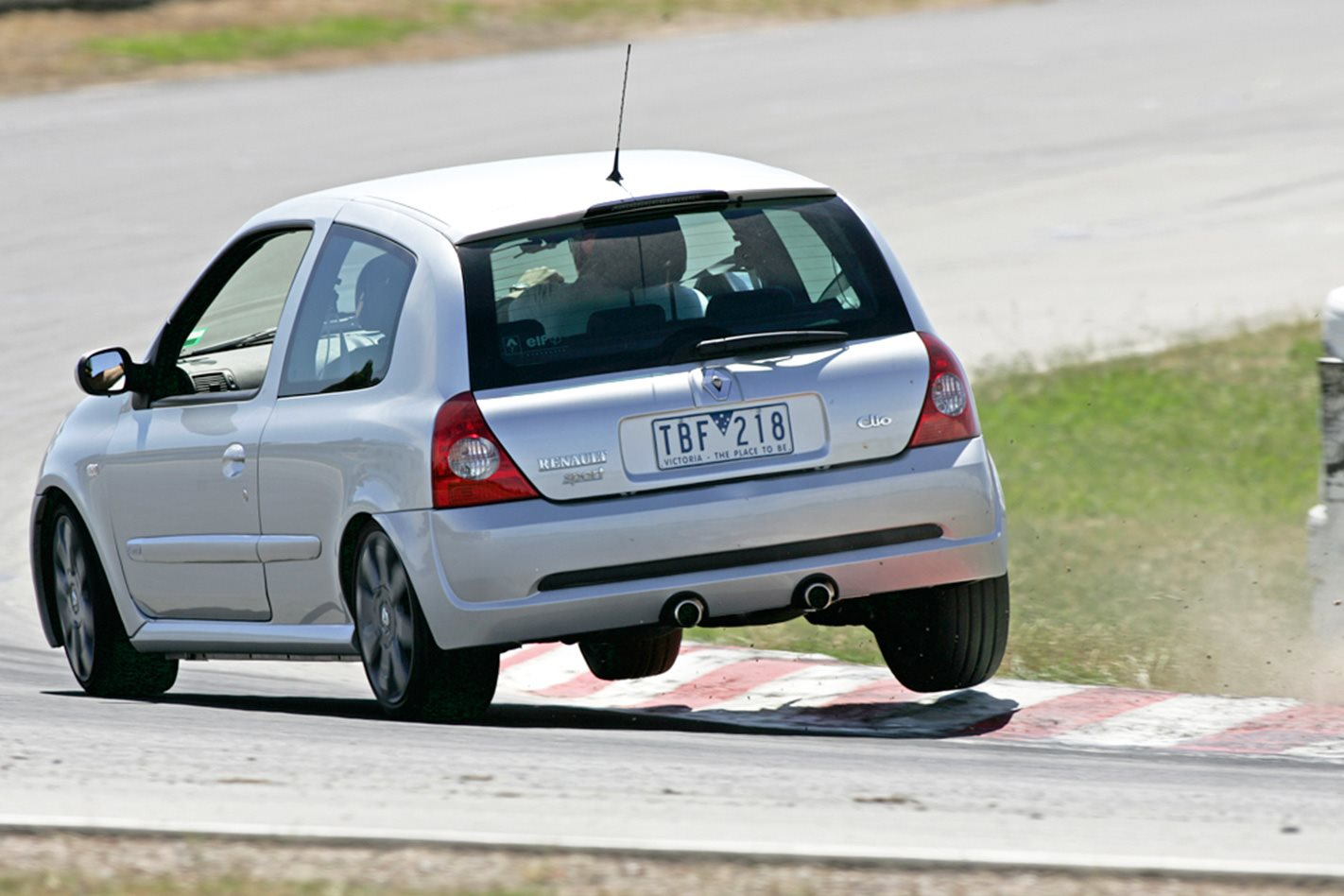 2005-Renault-Sport-Clio-Cup-rear.jpg