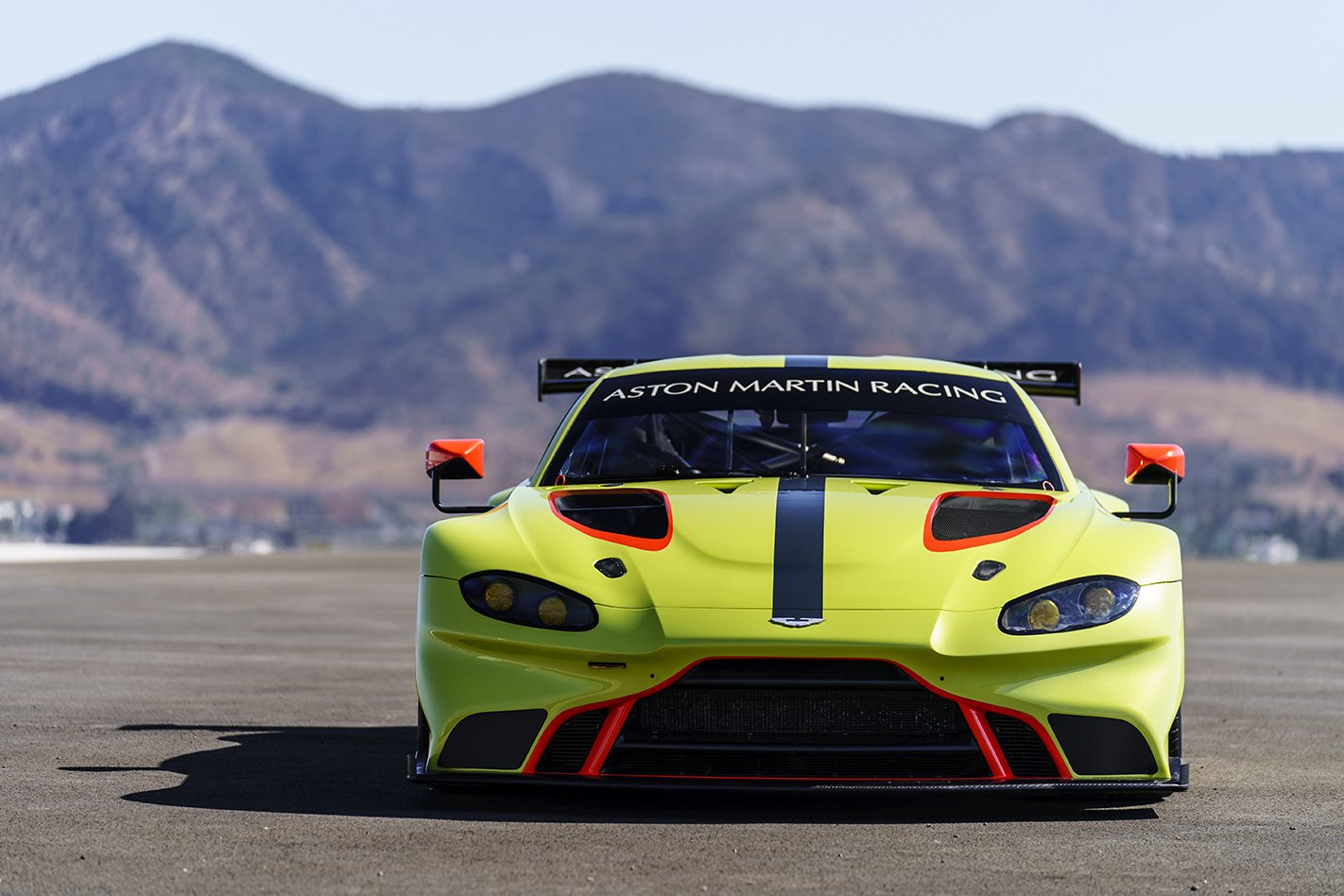 Aston Martin Vantage GTE race auto revealed