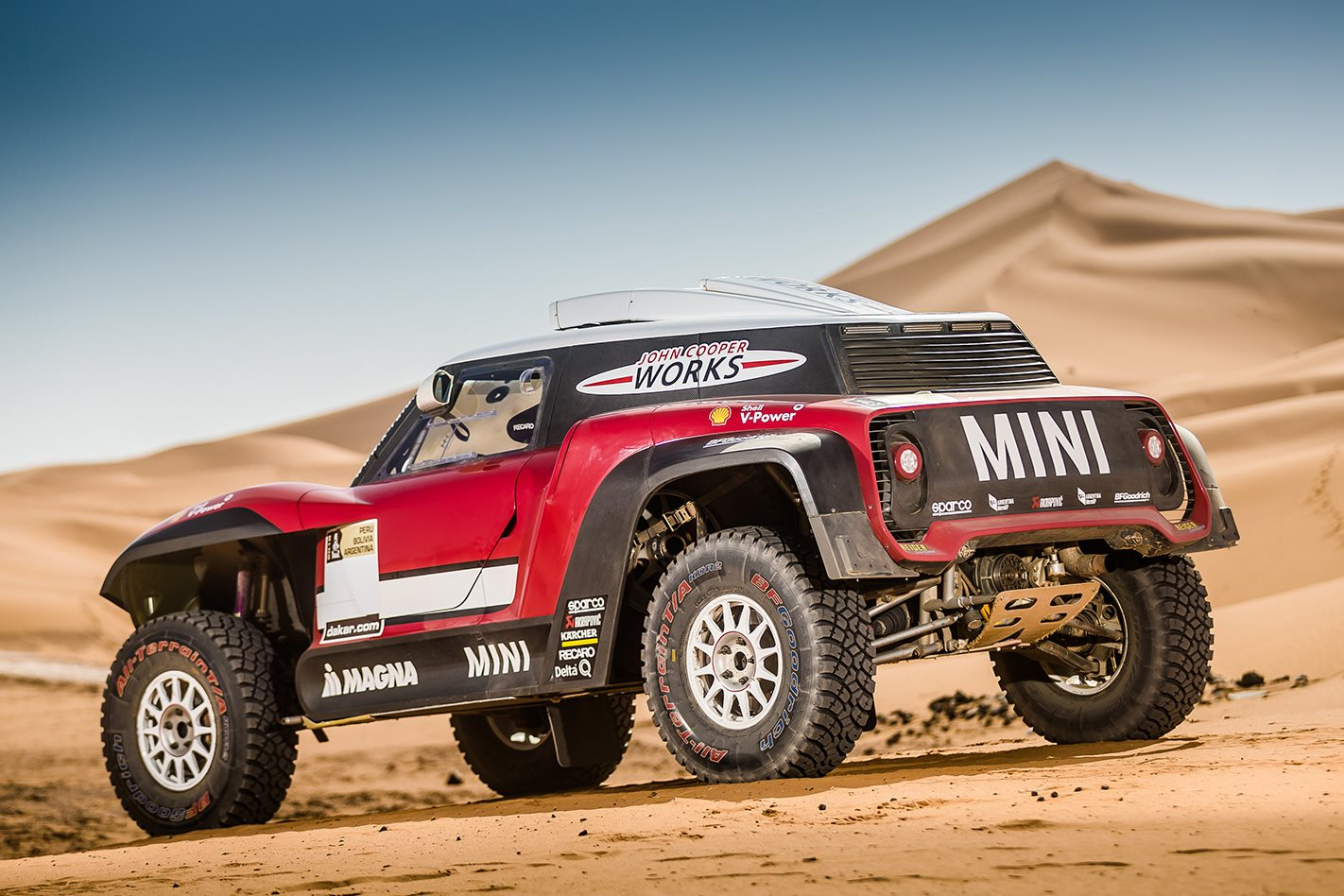 """Mini takes on the 2018 Dakar with both rally vehicle and buggy"""""""