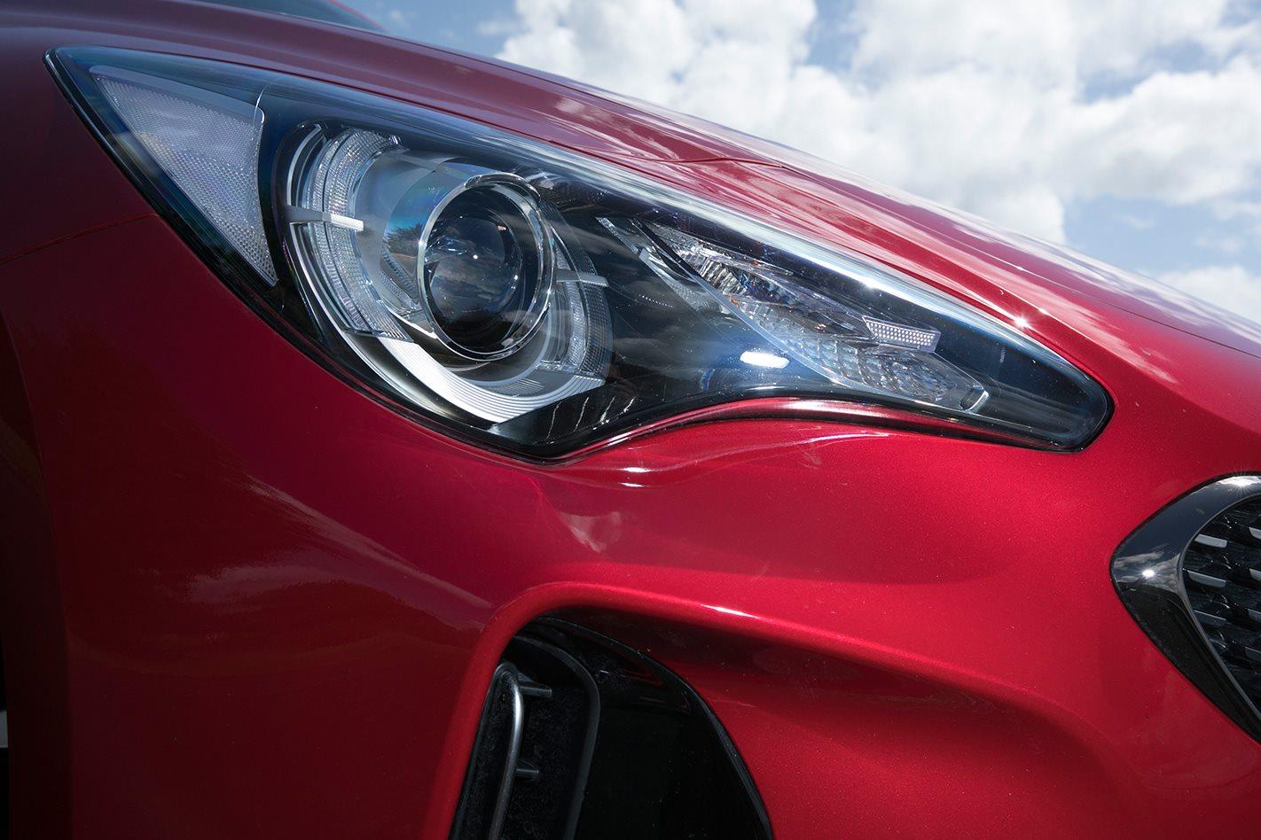2017 Kia Stinger 330S headlights.jpg
