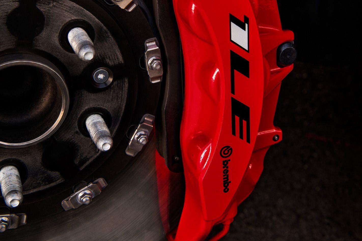 2018-Chevrolet-Camaro-ZL1-1LE-brakes.jpg