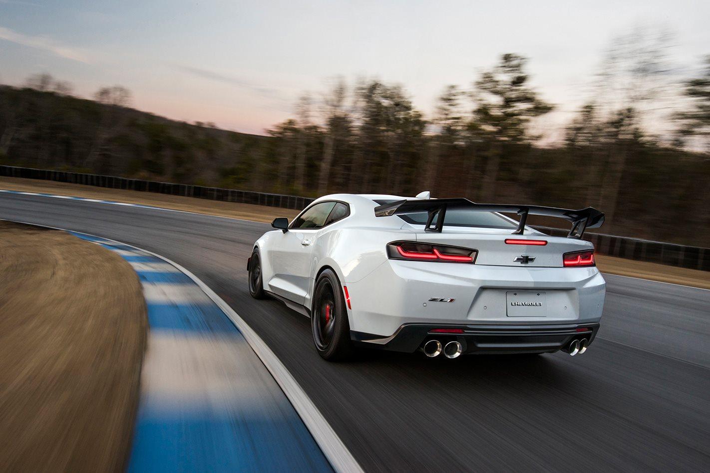 2018-Chevrolet-Camaro-ZL1-1LE-rear.jpg