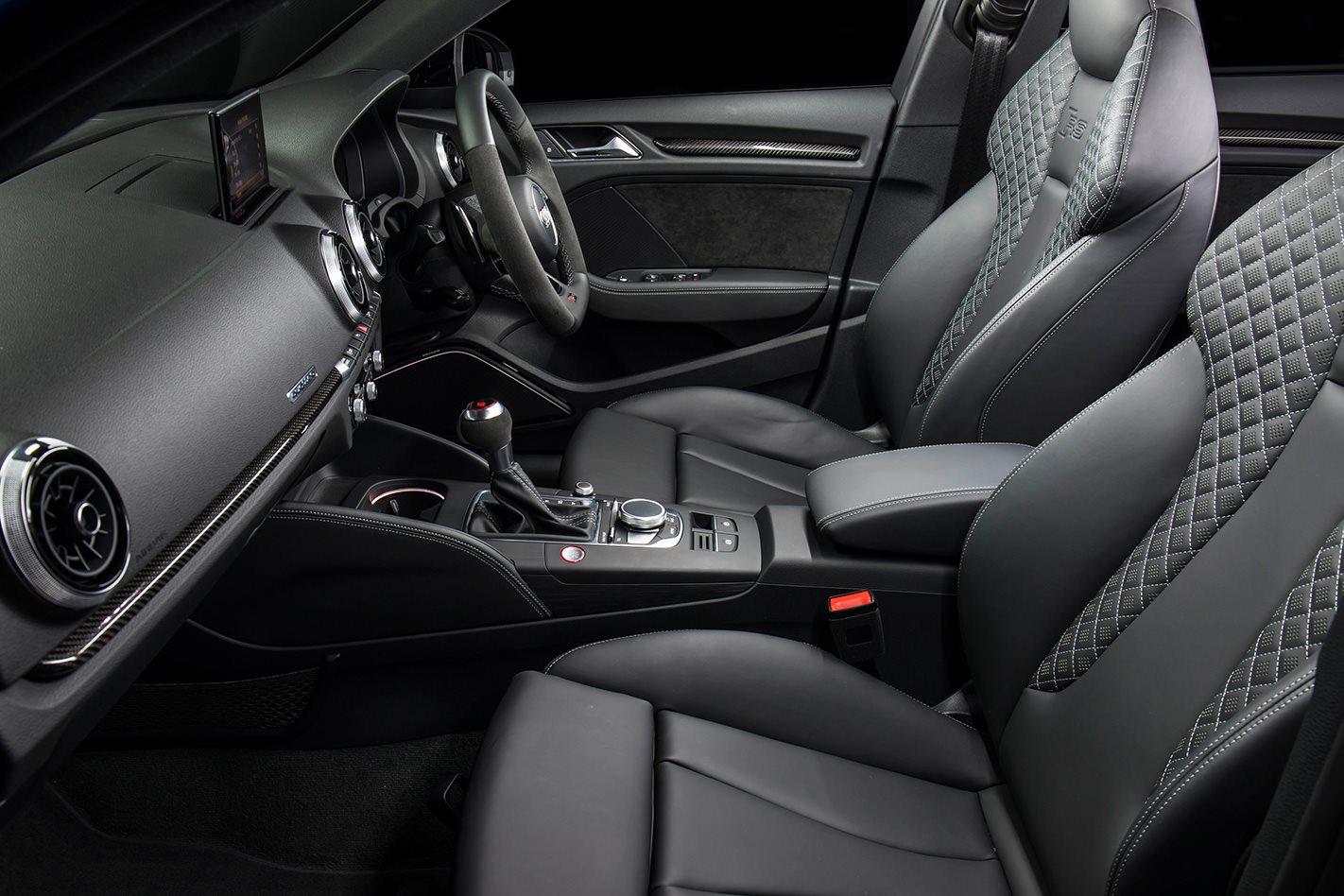 2018 Audi RS3 Sportback seats.jpg