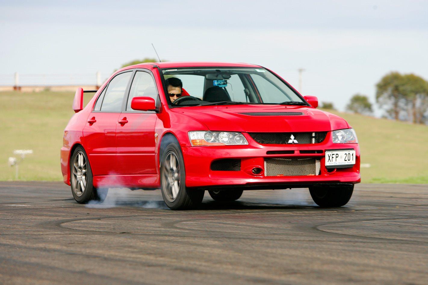2005 Mitsubishi Evo IX.jpg