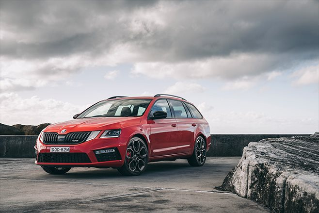 Skoda-Octavia-RS245-Wagon-red