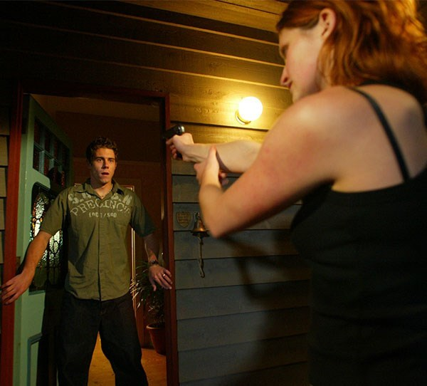 **Noah Lawson**  In 2004 Noah (Beau Brady) was shot dead by Sarah Lewis (Luisa Hastings-Edge). Sarah came to the Bay to seek revenge for the death of her boyfriend and whilst she had a number of residents held hostage, Sarah shot Noah and then turned the gun on herself.