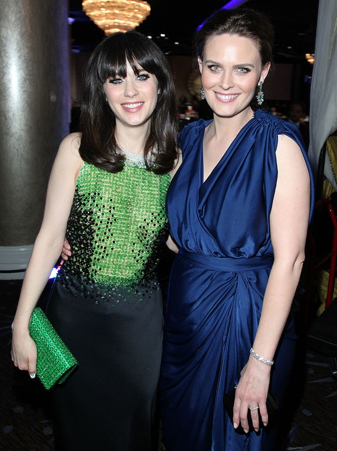 Bones actress Emily Deschanel is actually older sister to Zooey Deschanel, who is well known for her role in TV series New Girl.