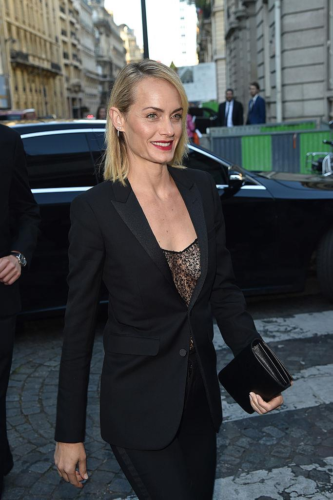 Who says love at first sight isn't a thing? When Leo saw Amber Valletta in a magazine in 1998 he had his people track her down and organised for them to meet.