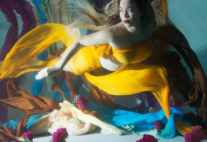 Bey looks like an oil painting in this underwater shot.