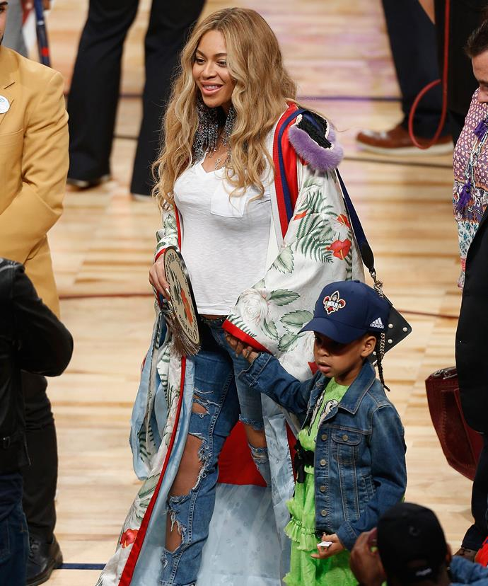Bey's baby(ies) bump is really starting to pop!