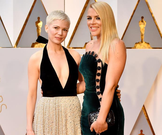 All award season, Michelle Williams has walked the red carpet with her bestie Busy Phillips. And it was no exception on Sunday night!
