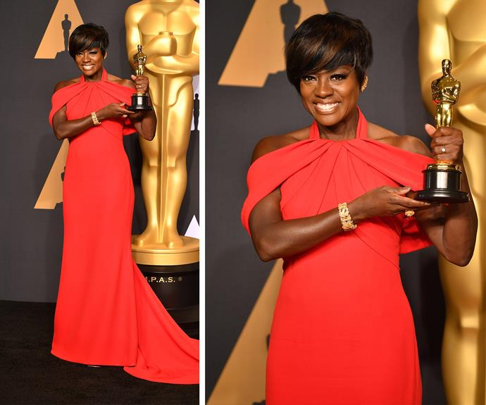 Viola poses with her very shiny Oscar.