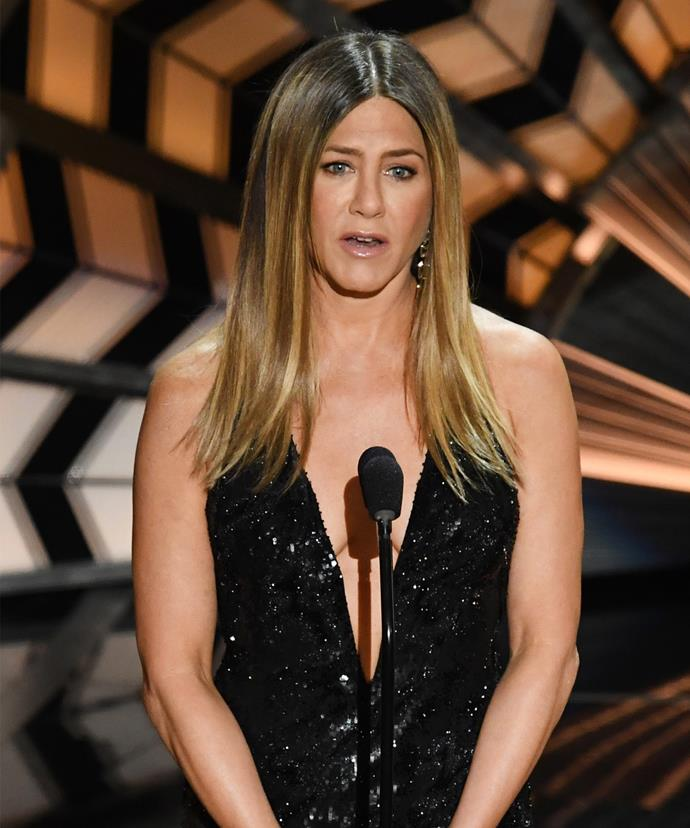 Jen took to the stage at the Oscars to remember all the stars Hollywood has lost over the past 12 months.