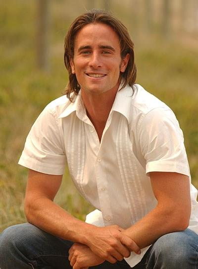 "**Kip Gamblin - Home And Away** <br><br> Kip appeared as Scott Hunter for nearly three years until 2005. During his time on *Home And Away*, Kip picked up the [TV WEEK Logie Award](http://www.nowtolove.com.au/celebrity/tv/carrie-bickmore-shares-her-beauty-tips-36257|target=""_blank"") for Most Popular New Talent in 2004."
