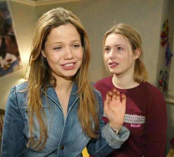**The Sutherlands**  Notable members: Kirsty Sutherland (Christie Hayes) and Dani Sutherland (Tammin Sursok). The Sutherland family dominated Summer Bay from 2001 with audiences enthralled by sisters' Kirsty and Dani's personal relationships.