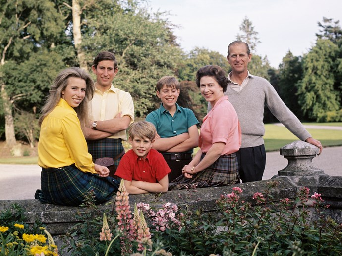 When the Brit royal family (L-R: Anne, Charles, Edward, Andrew, Elizabeth and Philip) were picture perfect in this sweet family photo in Scotland.