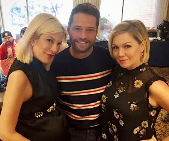 Half the gang is already back together! Tori Spelling, Jason Priestley and Jennie Garth catch up in Chicago.
